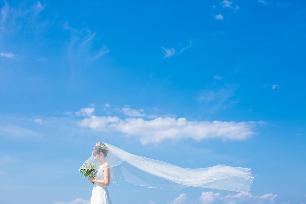 青空とヴェールの花嫁